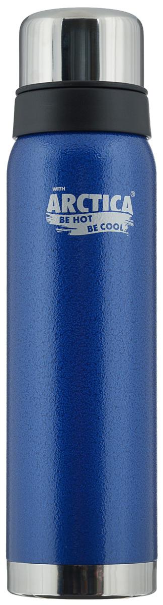 Термос Арктика, цвет: синий, стальной, 0,9 л. 106-900106-900 синийТрадиционный дизайн обрамленный в классические цвета американского термоса Арктика радует глаз. Этот термос с узким горлом обладает приятной эргономикой и отлично лежит в руке.Яркая краска на корпусе - это особая молотковая эмаль, повредить которую получится не у всякого. Вкупе с прочной пищевой нержавеющей сталью это покрытие надежно охраняет самое ценное в термосе - вакуум между стенками корпуса и колбы. Вакуум, в свою очередь, надежно оберегает содержимое термоса от нагрева или охлаждения - круглый год он будет вам надежным товарищем и верным спутником.Крышка разделяется на 2 сосуда, которые можно использовать в качестве стаканов.Диаметр горлышка: 4,4 см.Диаметр основания: 7,8 см.Высота термоса (с учетом крышки): 30,5 см.Время сохранения температуры (холодной и горячей): 28 часов.