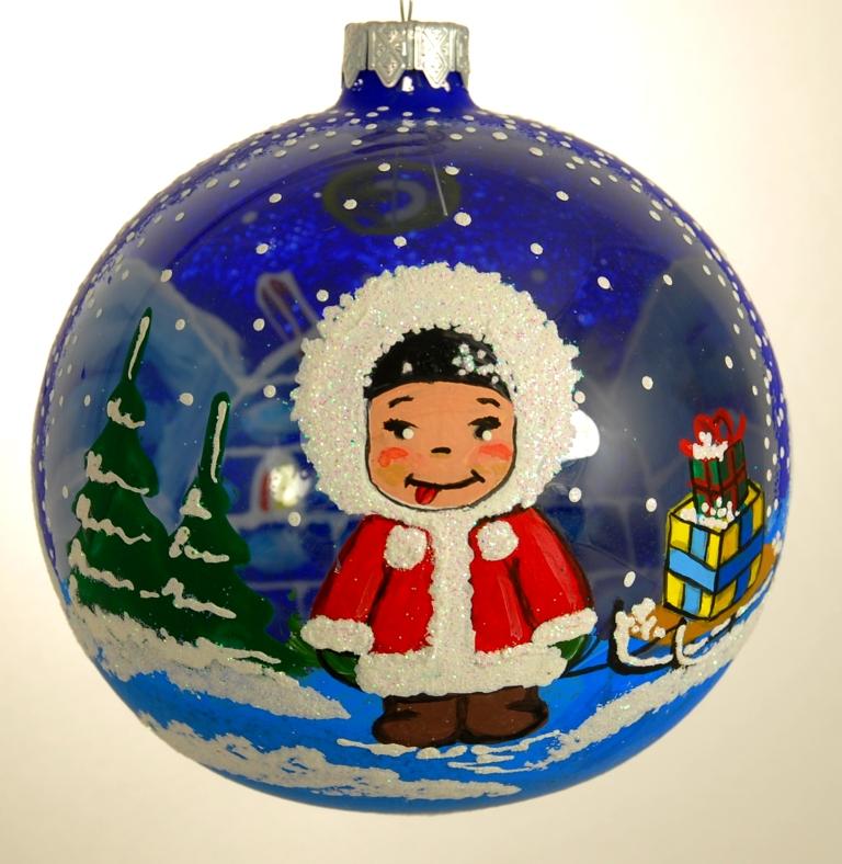 """Стеклянная елочная игрушка - Шар """"Эскимос"""" диаметром 100 мм. Ручная роспись. Упакован в подарочную коробку + защитный гофрокороб."""