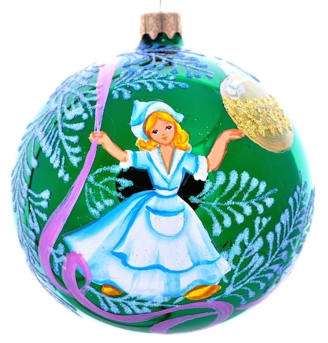 """Стеклянная елочная игрушка - Шар """"Щелкунчик-Мари"""" диаметром 100 мм. Ручная роспись. Упакован в подарочную коробку + защитный гофрокороб."""