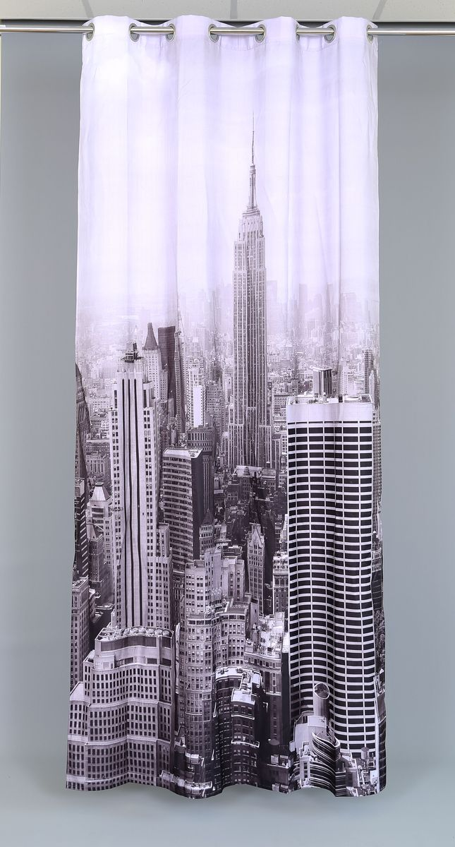 """Роскошная штора Garden """"Manhattan City"""" выполнена из 100% полиэстера и украшена городским принтом.  Оригинальная текстура ткани и изящный дизайн привлекут к себе внимание и позволят шторе органично вписаться в интерьер помещения.Эта штора будет долгое время радовать вас и вашу семью!Штора крепится при помощи люверсов. Диаметр люверсов: 4 см."""