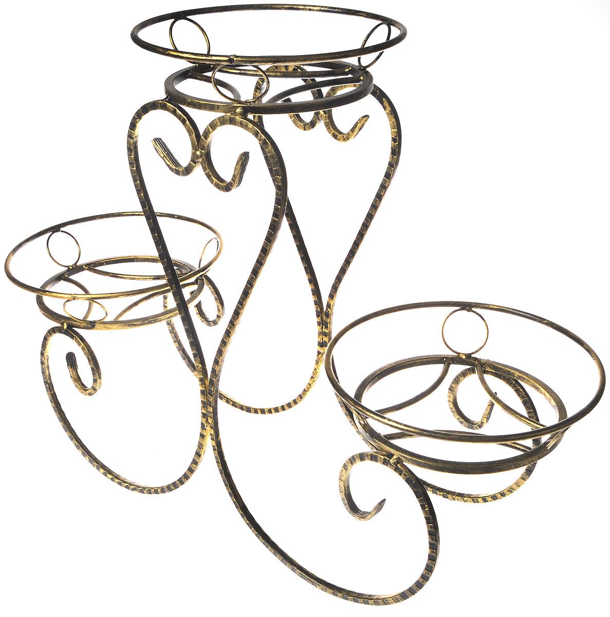 Подставка для цветов Фабрика ковки Классика, на 3 цветка, цвет: черный, золотистый. 70-04370-043Подставка Фабрика ковки Классика предназначена для размещения трех цветочных кашпо, одно размещается на верхнем уровне, два на нижнем. Подставка выполнена из резного окрашенного металла. Ножки выполнены в виде завитков, на которых расположены подставки, декорированные кольцами. Симметричность подставки не только обеспечивает высокую надежность установки цветков, но и придает ей строгий и презентабельный вид.Размер подставки: 80 х 29 х 60 см.Диаметр полок (по верхнему краю): 29 см.