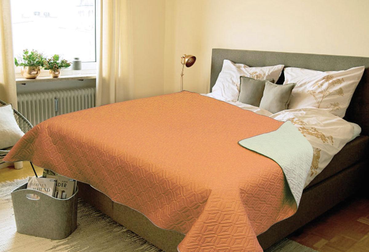 Покрывало Amore Mio Verdo, евро, цвет: оранжевый81786Роскошное покрывало Amore Mio Verdo идеально для декора интерьера в различных стилевых решениях. Однотонное изделие изготовлено из высококачественного полиэстера и оформлено рельефным рисунком. Каждая сторона имеет свой цвет, поэтому настроение можно поменять, лишь перевернув покрывало на другую сторону. Покрывало приятное, мягкое, легкое, может послужить не только на кровати, но и в качестве облегченного одеяла, а также как дорожного пледа, великолепно в качестве покрывала для пикников. Занимает мало места, легко стирается, неприхотливо в уходе.
