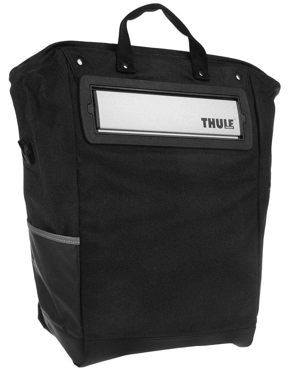Сумка велосипедная Thule Tote, цвет: черный, серый, 23,5 л100002Велосипедная сумка Thule Tote выполнена из высококачественных материалов в городском стиле. Легко трансформируется в повседневную сумку. Сумка имеет одно главное отделение, которое позволяет удобно помещать крупные вещи. Изделие оснащено удобными ручками и регулируемым ремнем через плечо.Система крепления проста в использовании, безопасна и имеет малый уровень вибрации. Крепления-невидимки легко отщелкиваются для максимального удобства при переноске без велосипеда. По бокам сумки расположен карман без застежки и карман на молнии для хранения наплечного ремня. Светоотражающие полоски повышают заметность на дороге в темное время суток.Сумку можно установить с любой стороны велосипеда. Она подходит к большинству видов багажника.