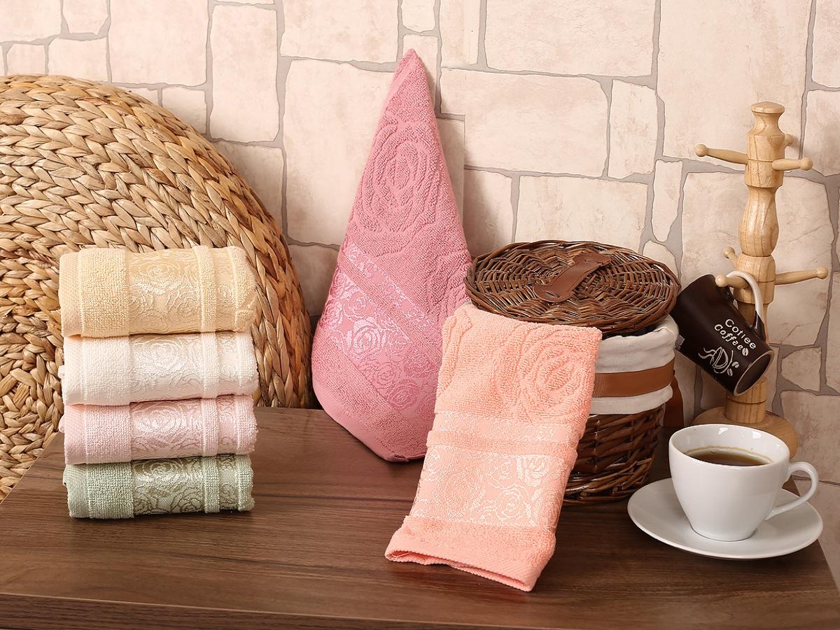 """Набор Gonca """"Rose Garden"""" состоит из 6 разноцветных кухонных салфеток. Изделия выполнены из хлопка и украшены цветочным принтом. Такой набор украсит интерьер гостиной или кухни. Размер: 30 х 50 см."""