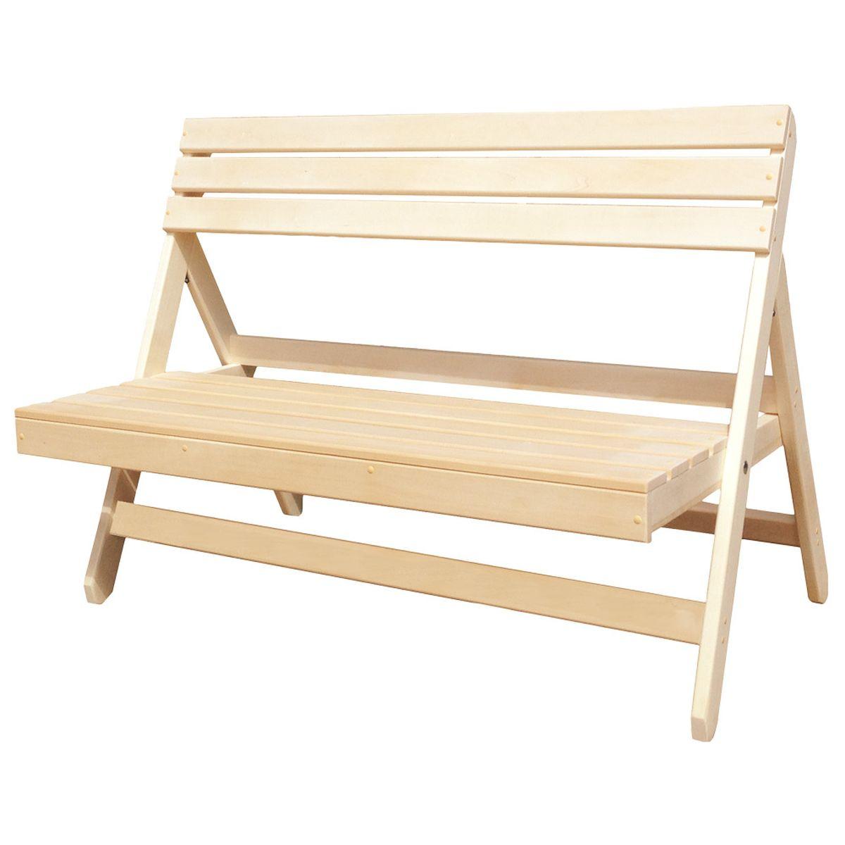"""Складная скамейка """"Банные штучки"""", выполненная из дерева, идеально подойдет для благоустройства дачного или садового участка, прекрасно впишется в интерьер дома, бани или сауны. За счет своего небольшого размера она займет мало места в багажнике, поэтому ее можно взять с собой на природу."""