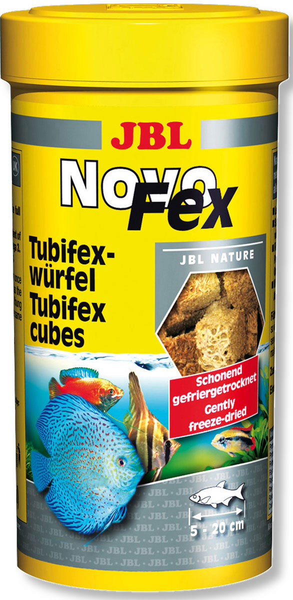 Корм JBL NovoFex для всех аквариумных рыб, 250 мл (30 г)JBL3063000Дополнительный корм JBL NovoFex представляет собой трубочник, высушенный по технологии вакуумной заморозки. Отличная альтернатива живому и замороженному корму. Лакомство предназначено для водяных черепах и тропических пресноводных рыб от 5 до 20 см, кормящихся во всех слоях воды. К примеру, кольчужные сомы очень любят раскапывать спрятанные кубики. Корм очень питательный и легко усваивается. В процессе вакуумной сублимационной сушки важные питательные вещества сохраняются в высушенном корме. Корм не вызывает помутнения воды, сокращает рост водорослей благодаря правильному содержанию фосфатов, улучшает качество воды, в результате хорошей усвояемости снижается количество экскрементов рыб. Состав: моллюски и ракообразные. Анализ состава: белок 60%, жир 12%, клетчатка 2%, зола 8%. Товар сертифицирован.
