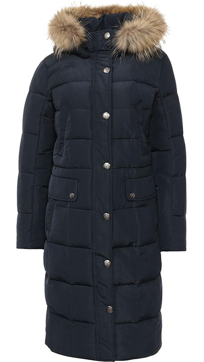 Пальто женское Finn Flare, цвет: темно-синий. W16-12022_101. Размер L (48)W16-12022_101Стильное женское пальто Finn Flare изготовлено из высококачественного полиэстера. В качестве утеплителя используется пух с добавлением пера.Модель с воротником-стойкой и съемным капюшоном, оформленным съемным натуральным мехом енота, застегивается на застежку-молнию и дополнительно на клапан с кнопками. Капюшон, дополненный регулирующим эластичным шнурком, пристегивается к пальто с помощью кнопок. Спереди расположены два прорезных кармана на кнопках, оформленные декоративными клапанами на кнопках, на груди - два прорезных кармана на кнопках. Манжеты рукавов дополнены трикотажными напульсниками. С внутренней стороны, на талии модель дополнена эластичным шнурком сто стопперами.