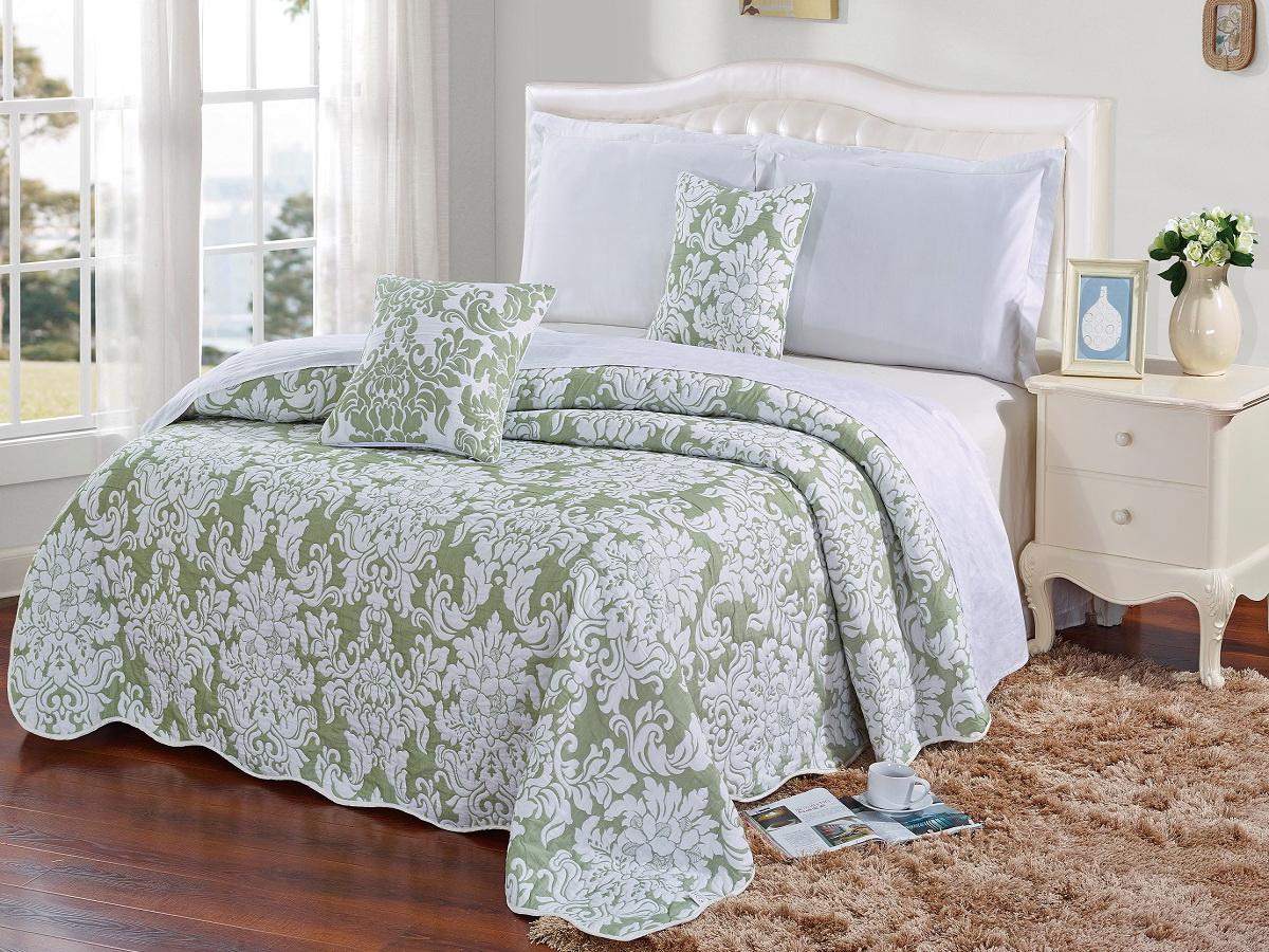 Покрывало Cleo Элегия, цвет: зеленый, 160 х 220 см290/002(2)-16-BRКрасивые, яркие, легкие и в меру объемные покрывала - они становятся настоящим украшением, завершающим штрихом интерьера, который преображает помещение, делая его уютным и комфортным.Состав этой коллекции - 100% хлопок. Это необыкновенно прочная, практичная, устойчивая к разнообразным воздействиям ткань. Рисунок, выполненный методом тиснения, сохраняет краски в течение долгого времени. Такое покрывало прослужит много лет, радуя вас и ваших близких изначальной яркостью своих красок.