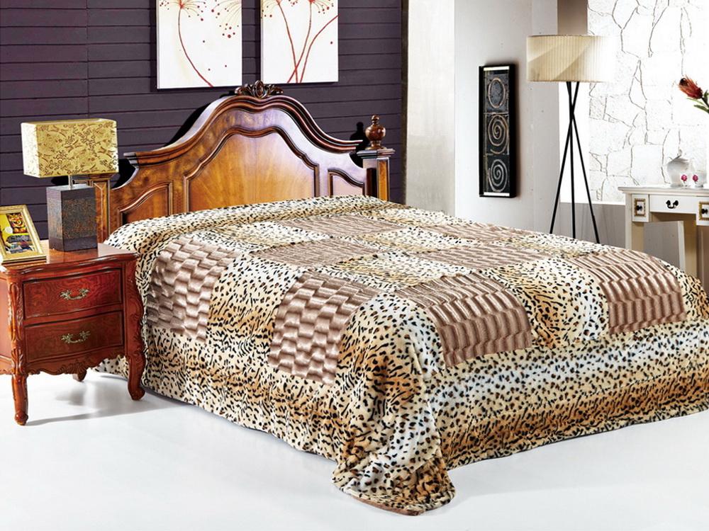 Покрывало Cleo Фимса, цвет: коричневый, 220 x 240 см210/06-DZКрасивые, яркие, легкие и в меру объемные покрывала - они становятся настоящим украшением, завершающим штрихом интерьера, который преображает помещение, делая его уютным и комфортным.Состав этой коллекции - искусственный мех (акрил). Покрывало универсально в использовании.Такое покрывало прослужит много лет, радуя вас и ваших близких изначальной яркостью своих красок.