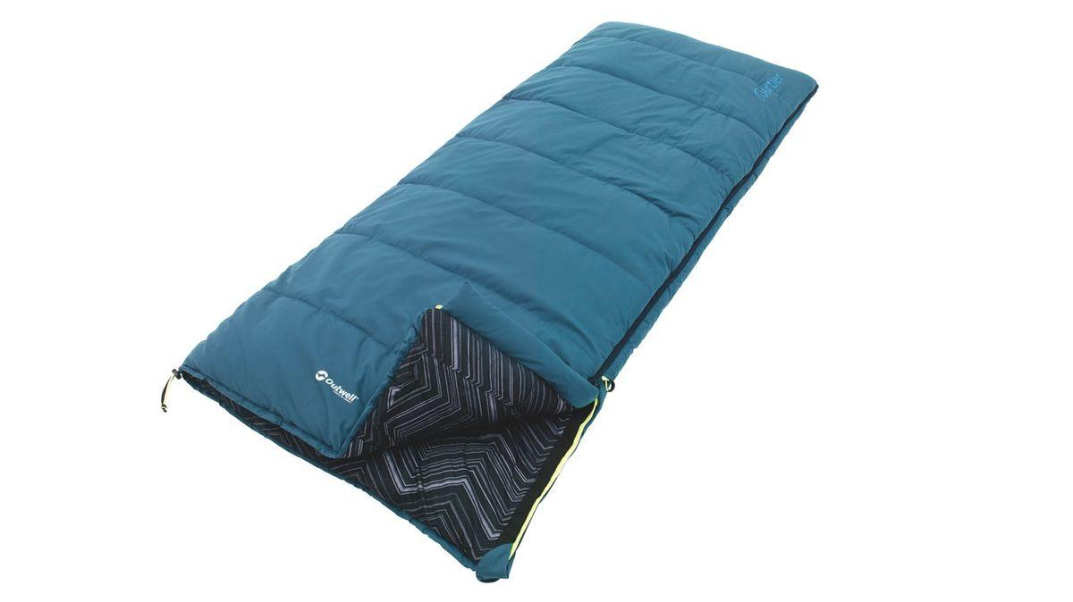 Спальный мешок Outwell Courtier, цвет: синий, 200 х 85 см230155Спальный мешок Outwell Courtier имеет хлопковую подкладку яркого дизайна. В нем предусмотрен внутренний карман, возможность раскрывания в одеяло и петли для крепления вкладыша. Мешок изготовлен из мягкой микрофибры и силиконового полого волокна Isofill обеспечивающего оптимальное тепло и изоляцию. В комплект входит удобная сумка-чехол. Два мешка можно состегнуть в один двухместный.Что взять с собой в поход?. Статья OZON Гид