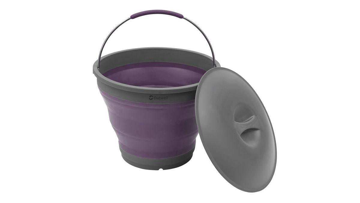 Ведро силиконовое Outwell Collaps Bucket Plum, цвет: серый, фиолетовый, 7,5 л650477Складное ведро Outwell Collaps Bucket Plum изготовлено из прочного силикона. Благодаря гибкости и пластичности материала, ведро легко складывается и раскладывается. В сложенном состоянии занимает минимум места. Уплотненные места отлично держат форму изделия. Ведро прекрасно подходит для хранения различных бытовых вещей и других предметов. Для удобной переноски имеется ручка. Также изделие оснащено пластиковой крышкой.Такое практичное и функциональное ведро пригодится в любом хозяйстве.