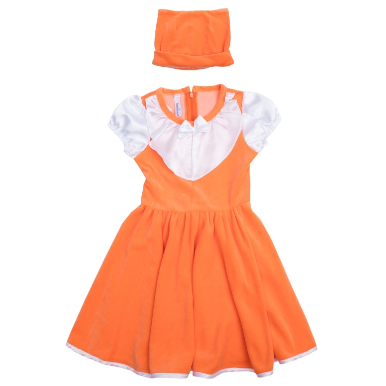 Платье для девочки PlayToday, цвет: оранжевый, белый. 462015. Размер 98462015Стильное платье для девочки - полноценный костюм лисички, не уступающий в удобстве базовым хлопковым платьям! Платье с короткими рукавами и круглым вырезом горловины выполнено из нежного велюра с контрастной сатиновой отделкой рукавов, воротника и подола, создающей эффект многослойности. Изделие застегивается на потайную молнию на спине и дополнено широким поясом, завязывающимся в большой бант. Рукава-фонарики на мягкой резинке. В комплект с платьем входит шапка с декоративными ушками, чтобы завершить нарядный образ.