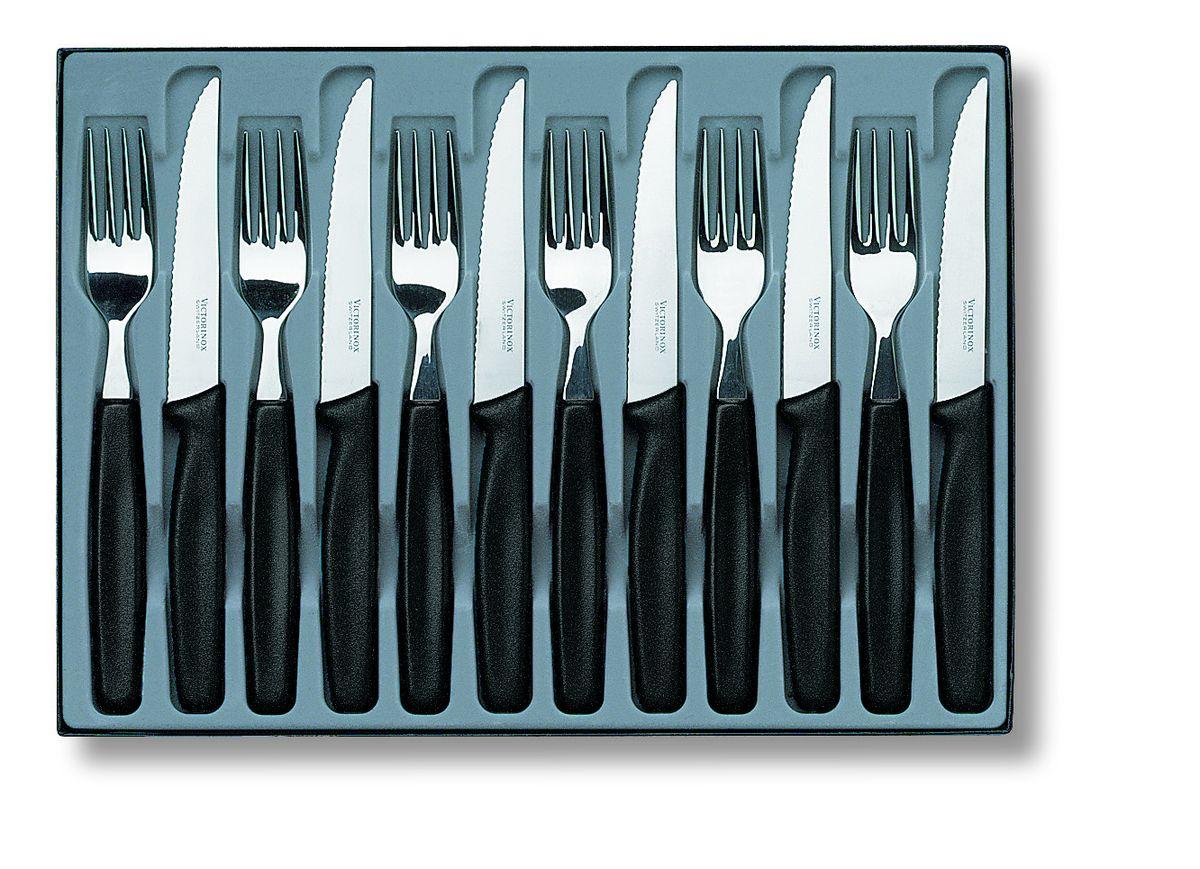 Набор столовых приборов Victorinox, 12 предметов5.1233.12Набор Victorinox состоит из 6 ножей и 6 вилок, изготовленных извысококачественной стали. Приборы имеют элегантные ручки из полипропилена.Качественная полировка и изящество форм предметов набора притягиваютвзгляд. Эксклюзивный дизайн, эстетичность и функциональность наборапозволят ему занять достойное место среди кухонного инвентаря, а сервировкапраздничного стола таким набором станет великолепным украшением любоготоржества. Длина ножей: 21,2 см. Длина вилок: 19,7 см.