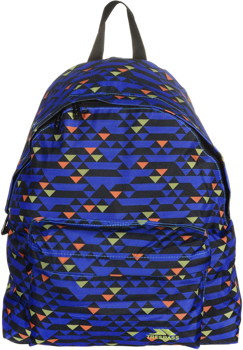 Рюкзак городской Trespass Britt, цвет: синий, черный, 18 лUCACBAD10001Стильный рюкзак Britt от Trespass создан для любителей активного образа жизни.Модель выполнена из износоустойчивого текстиля, декорирована геометрическим узором. Рюкзак имеет один фронтальный и один задний карман на молниях. В большом отделении имеется небольшой кармашек для мелочей. Удобство рюкзака обеспечивает мягкая подложка обращенной к спине части рюкзака, ручка для переноски из лямочной ленты и регулируемая длина лямок.