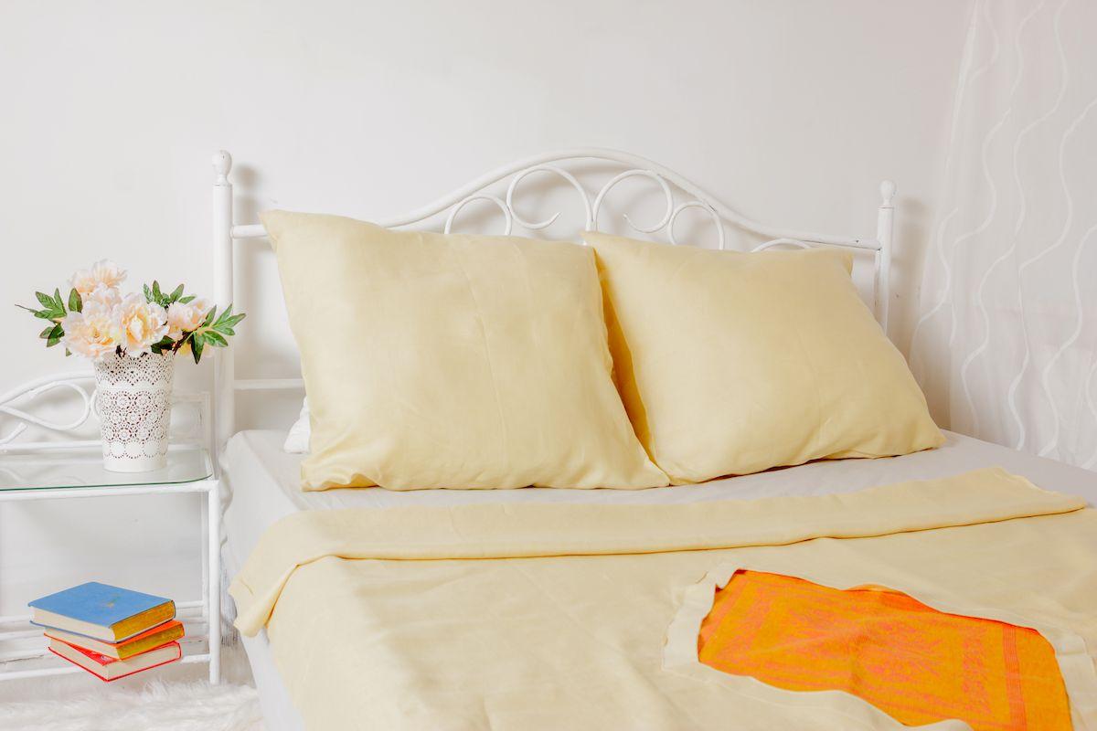 Комплект белья Гаврилов-Ямский Лён, 1,5-спальный, наволочки 70х70, цвет: светло-бежевый5со1702Элитный жаккардовый 1,5-спальный комплект постельного белья Гаврилов-Ямский Лен выполнен из льна и хлопка. Лён - поистине, уникальный природный материал. Изделия из льна обладают уникальными потребительскими свойствами. Льняное постельное белье даст вам ощущение прохлады в жаркую ночь и согреет в холода. В комплект входит: пододеяльник 143 x 215 см; 2 наволочки 70 х 70 см;Советы по выбору постельного белья от блогера Ирины Соковых. Статья OZON Гид