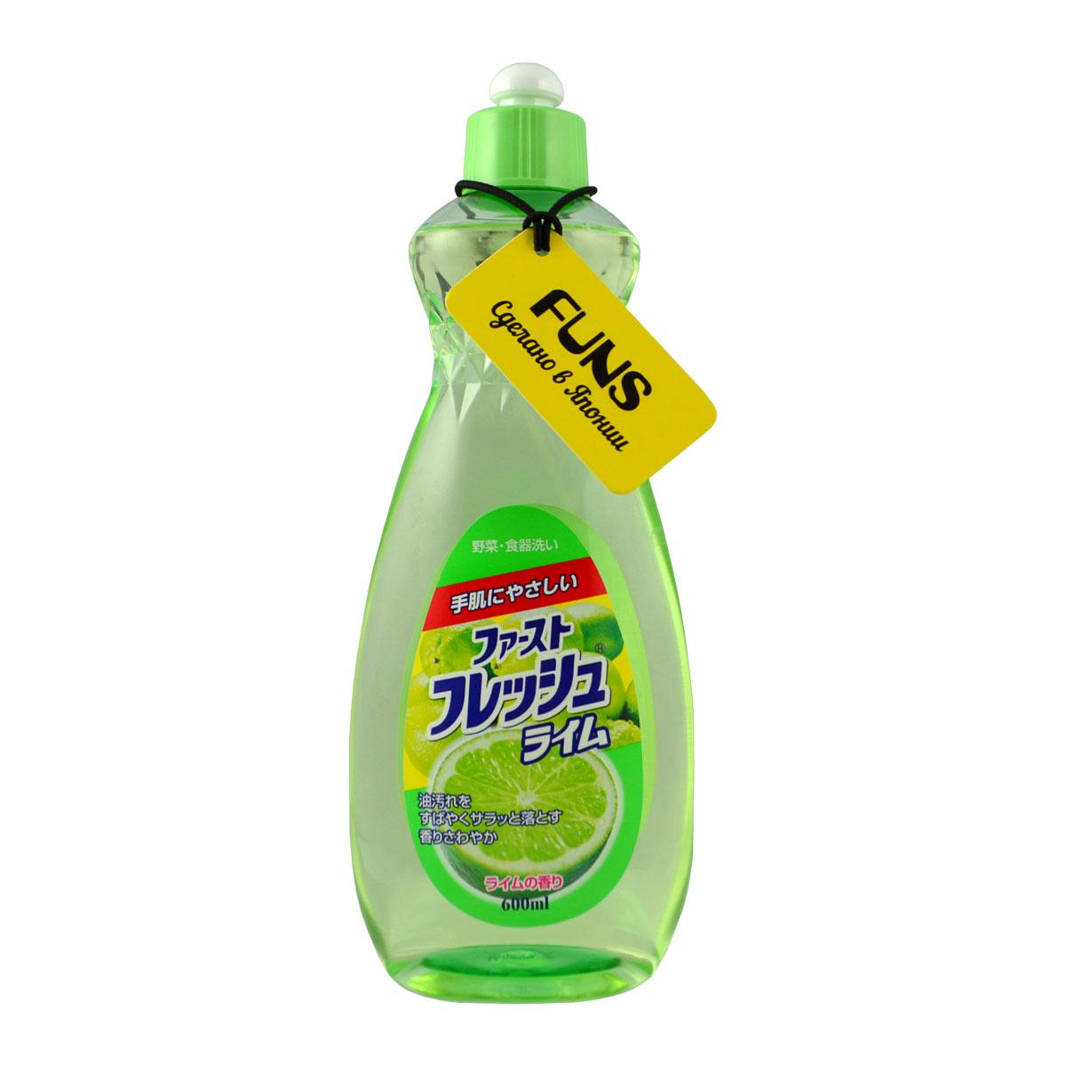 Жидкость для мытья посуды Funs, свежий лайм, 600 мл106038Жидкость для мытья посуды Funs предназначена для мытья столовой посуды, посуды для приготовления пищи, овощей и фруктов.Средство полностью удаляет стойкие пятна жира и имеет приятный цитрусовый аромат. Особенности:Экологически чистый продукт.Содержит растительный экстракт, безопасный для кожи.Не сушит и не раздражает кожу рук.Не оставляет запаха на овощах и фруктах.Прекрасно смывается водой с любой поверхности полностью и без остатка.Подходит для мытья детской посуды и аксессуаров для кормления новорожденных. Способ применения:На 1 л воды использовать 1.5 мл средства (примерно 1 чайная ложка). Способ хранения: хранить в недоступном для детей месте.Избегать воздействия прямых солнечных лучей на упаковку.Как выбрать качественную бытовую химию, безопасную для природы и людей. Статья OZON Гид