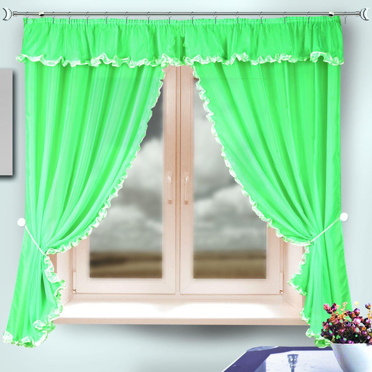 Комплект штор для кухни Zlata Korunka, на ленте, цвет: зеленый, высота 170 см. 3333133331Комплект штор для кухни Zlata Korunka, выполненный из полиэстера, великолепно украсит любое окно. Комплект состоит из 2 штор и ламбрекена. Классический крой и приятная цветовая гамма привлекут к себе внимание и органично впишутся в интерьер помещения. Этот комплект будет долгое время радовать вас и вашу семью!Комплект крепится на карниз при помощи ленты, которая поможет красиво и равномерно задрапировать верх.В комплект входит: Штора: 2 шт. Размер (Ш х В): 140 х 170 см.Ламбрекен: 1 шт. Размер (Ш х В): 290 х 30 см.