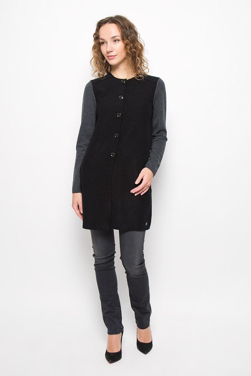 Кардиган женский Marc OPolo, цвет: черный, серый. 506761549/G56. Размер XS (40)506761549/G56Стильный женский кардиган выполнен из 100% шерсти застегивается спереди на пуговицы. По бокам модель дополнена двумя прорезными карманами.