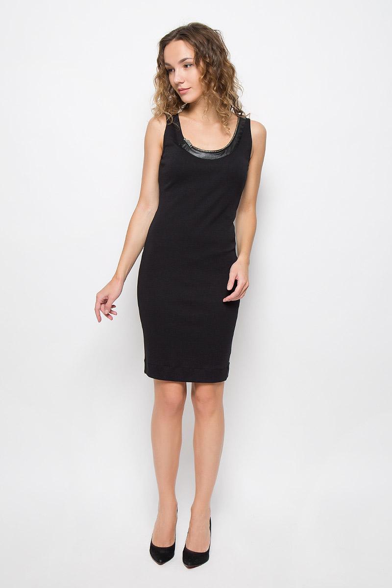 Платье Diesel, цвет: черный. 00SS9M-0QAIN/900. Размер M (46)00SS9M-0QAIN/900Стильное платье выполнено из высококачественного хлопка. Модель с круглым вырезом горловины и без рукавов. Горловина оформлена декоративной молнией.