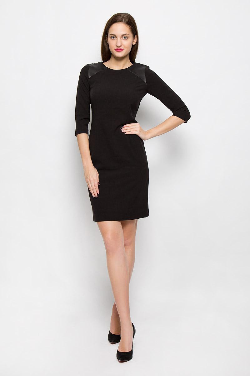 Платье Tom Tailor, цвет: черный. 5019349.00.75_2999. Размер 34 (40)5019349.00.75_2999Стильное платье выполнено из высококачественного материала. Платье с круглым вырезом горловины и рукавами ? на спинке застегивается на молнию. На плечах модель дополнена атласными вставками.
