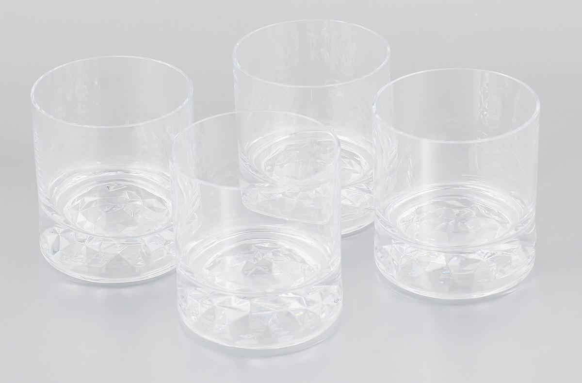 Набор стаканов для виски Pasabahce Club, 250 мл, 4 шт64039NНабор Pasabahce Club состоит из 4 стаканов, выполненных из бессвинцовогостекла. Широкий стакан с толстым дном и прямым стенками подойдет для подачи виски и других напитков со льдом. Стаканы сочетают в себе элегантный дизайн и функциональность.Набор стаканов Pasabahce Club идеально подойдет для сервировки стола и станет отличным подарком к любому празднику.Можно мыть в посудомоечной машине. Диаметр стакана (по верхнему краю): 7,5 см. Высота стакана: 8,5 см.