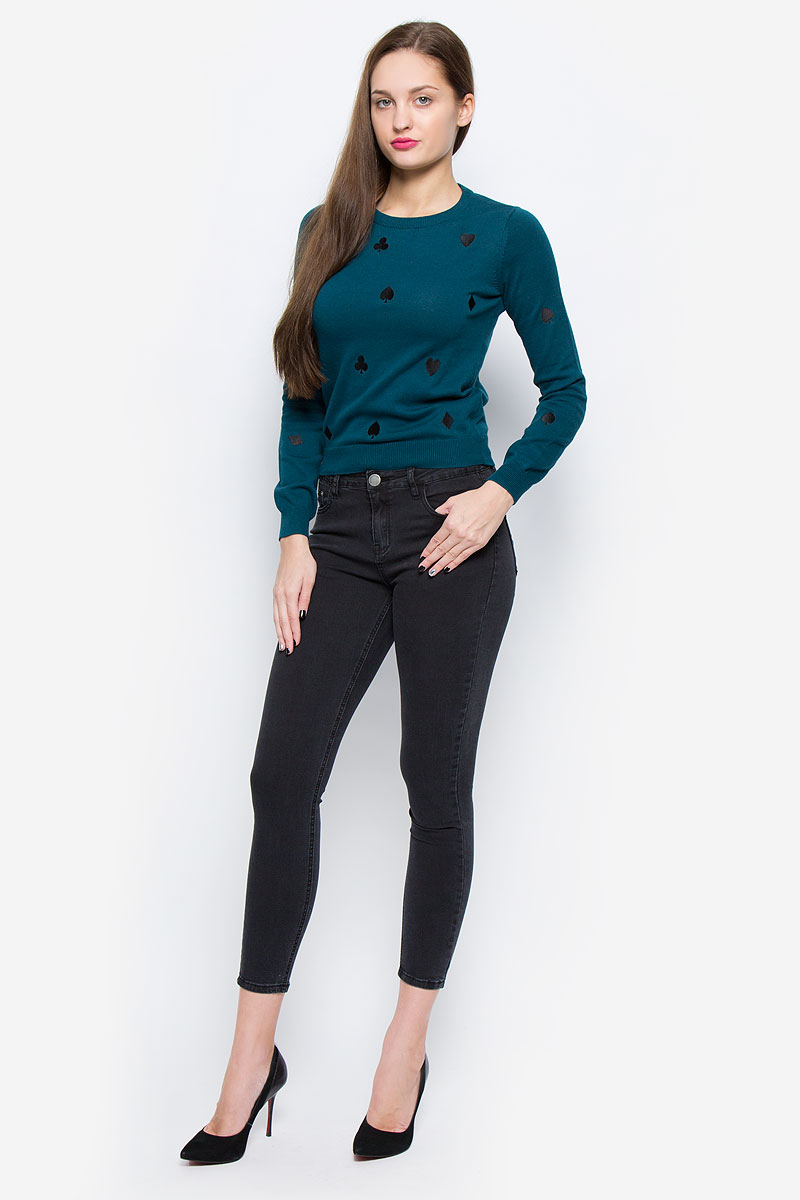 Джинсы женские Glamorous, цвет: графитовый. JL5249. Размер XS (42)JL5249_Black WashСтильные женские джинсы Glamorous выполнены из хлопка с добавлением полиэстера и эластана. Материал мягкий и приятный на ощупь, не сковывает движения и позволяет коже дышать.Джинсы-скинни со стандартной посадкой застегиваются на пуговицу в поясе и ширинку на застежке-молнии. На поясе предусмотрены шлевки для ремня. Джинсы имеют классический пятикарманный крой: спереди модель оформлена двумя втачными карманами и одним маленьким накладным кармашком, а сзади - двумя накладными карманами. Модель оформлена легким эффектом потертости.