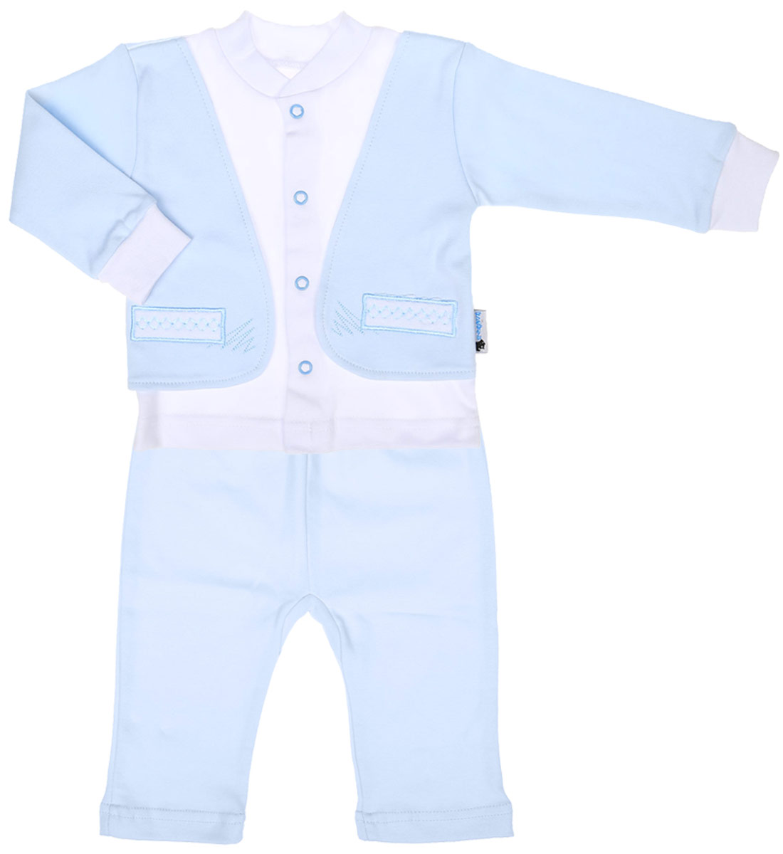 Комплект для мальчика Клякса: кофточка, штанишки, цвет: светло-голубой, белый. 37к-2005. Размер 7437к-2005Комплект для мальчика Клякса, изготовленный из натурального хлопка, состоит из кофточки и штанишек. Кофточка с имитацией пиджака застегивается спереди на кнопки. Модель с длинными рукавами имеет круглый вырез горловины, дополненный мягкой трикотажной резинкой. На рукавах предусмотрены эластичные манжеты. Кофточка украшена вышивкой. Штанишки с завышенной линией талии имеют мягкий эластичный пояс.