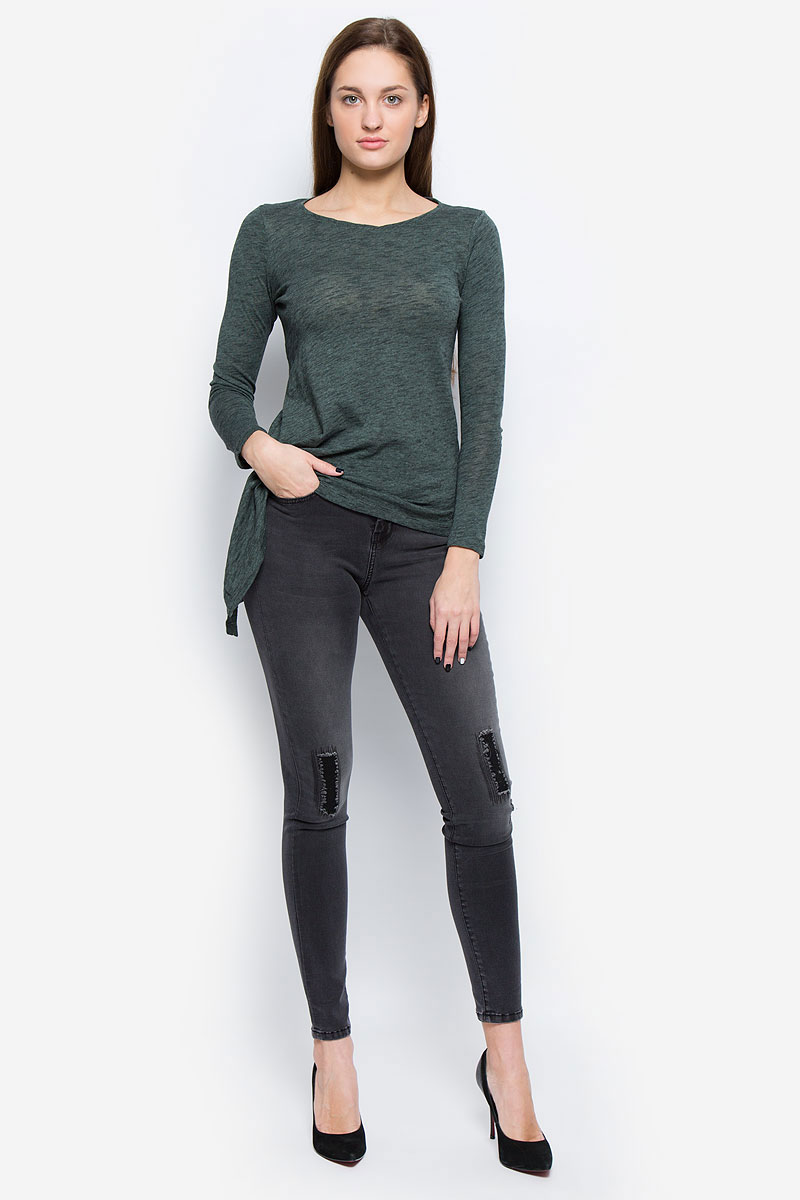 Джинсы женские Tom Tailor Contemporary, цвет: графитовый. 6205046.00.75_1200. Размер 26-32 (42-32)6205046.00.75_1200Стильные женские джинсы Tom Tailor Contemporary выполнены из хлопка с добавлением полиэстера, вискозы и эластана. Материал мягкий и приятный на ощупь, не сковывает движения и позволяет коже дышать.Джинсы-скинни со стандартной посадкой застегиваются на пуговицу в поясе и ширинку на застежке-молнии. На поясе предусмотрены шлевки для ремня. Джинсы имеют классический пятикарманный крой: спереди модель оформлена двумя втачными карманами и одним маленьким накладным кармашком, а сзади - двумя накладными карманами. Модель оформлена эффектом потертости и декоративными заплатками.