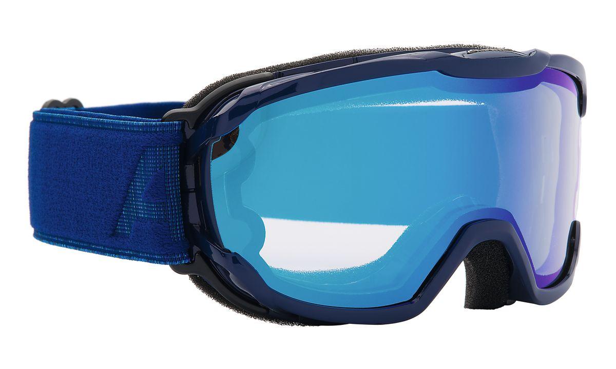 Очки горнолыжные Alpina Pheos Jr., цвет: синий, голубой. 7239_817239_81Горнолыжная маска Pheos Jr. создана специально для детей и подростков. Модель обеспечивает комфортное прилегание и широкий угол горизонтального обзора. Маска оснащена двойной линзой со стильным зеркальным покрытием Multi Mirrow, которое немного приглушает блики отражённого света и защищает глаза от интенсивного освещения.Особенности:• 100% защита от УФ А-В-С до 400 нм• Категория защиты линзы - S2. Ориентирована на использование в условиях переменной облачности и неяркого солнца• Гибкая и комфортная оправа плотно и равномерно прилегает к лицу• Очень широкий угол горизонтального обзора• Шарнирные проушины для ремешка позволяют надёжно и комфортно зафиксировать маску на любом, даже очень массивном шлеме • Антифог покрытие снижает риск запотевания маски• На ремешок нанесены полоски из силикона, которые не дают ему скользить по шлему или шапке• По контуру оправы расположены вентиляционные портыСезон: 16-17Категория защиты линз: 2 категория