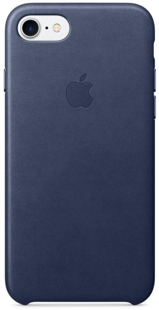 Apple Leather Case чехол для iPhone 7/8, Midnight BlueMMY32ZM/AЧехлы, созданные Apple, точно повторяют контуры iPhone, не делая его громоздким. Apple Leather Case изготовлен из мягкой кожи европейского производства, которая со временем покрывается благородной патиной. Мягкая внутренняя поверхность, выполненная из микроволокна, защищает корпус вашего iPhone. А кнопки из обработанного алюминия идеально подходят по цвету к чехлу.