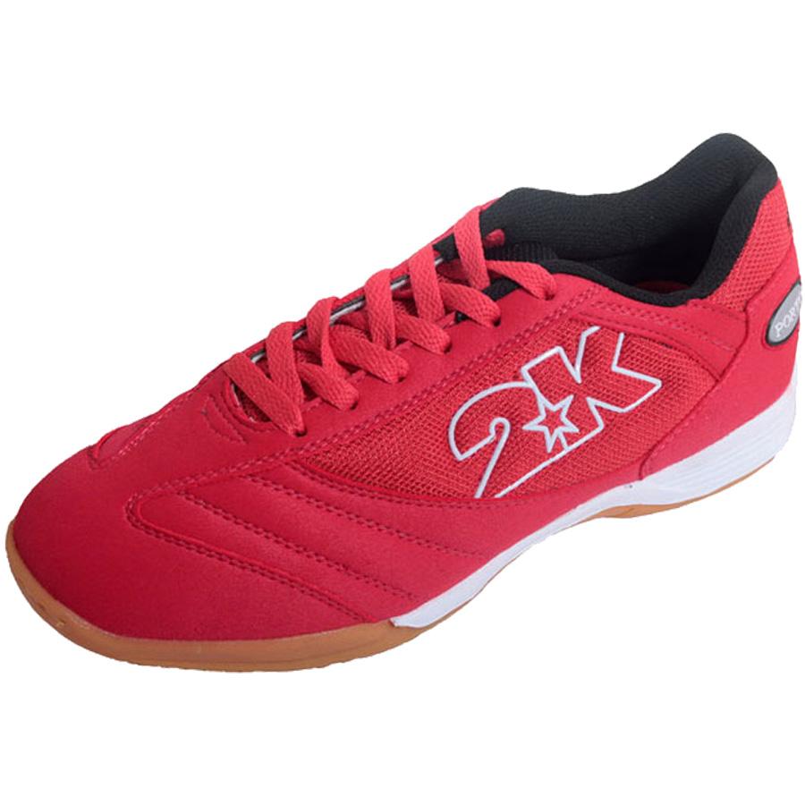 Бутсы для футзала 2K Sport Porto, цвет: красный, белый. Размер 42125414-redКлассические футзальные бутсы 2K Sport Porto идеально подойдут как для регулярных соревнований, так и для обычных тренировок. Мягкий и комфортный верх изготовлен из искусственной замши и текстиля. Эргономичная конструкция, обеспечивающая идеальную посадку, точность движений и оптимальный контроль мяча. Стелька из экопрена и синтетическая подкладка обеспечивают удобство стопы. Накладки на стельку увеличивают прочность и устойчивость подошвы.