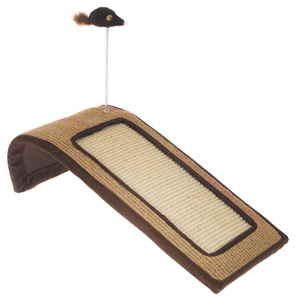 Когтеточка Triol Горка, с игрушкой, цвет: коричневый, бежевый, слоновая кость, 50 х 22 х 14 смNT144Когтеточка Triol Горка станет любимым местом для вашего питомца. Мышка на пружине привлечет дополнительное внимание к когтеточке. Изделие выполнено из ДСП, текстиля, ковролина и сизаля. Структура материала когтеточки позволяет кошачьим лапкам проникать внутрь и извлекаться с высоким трением, так что ороговевшие частички когтя остаются внутри волокон. По своей природе сизаль обладает уникальным антистатическим свойством, следовательно, когтеточка не накапливает пыль, что является дополнительным привлекательным качеством, поскольку облегчает процесс уборки.