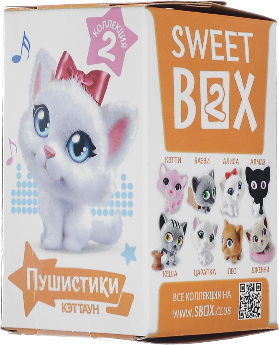 Sweet Box Пушистики Котята жевательный мармелад с игрушкой, 10 гУТ19449.Sweet Box (Сладкая коробочка) - коробочка со сладостями и игрушкой.Свитбоксы популярны среди детей и взрослых, коллекционирующих игрушки. Персонажи коллекций открывают удивительные миры, вовлекают в игру, дарят незабываемые впечатления.Игрушка выполнена из качественного пластика, изображает животное из мультфильма Пушистики. Пока не откроете коробочку - не узнаете, какая игрушка вам попалась!Игрушка предназначена для детей старше трех лет.Уважаемые клиенты! Обращаем ваше внимание, что полный перечень состава продукта представлен на дополнительном изображении.
