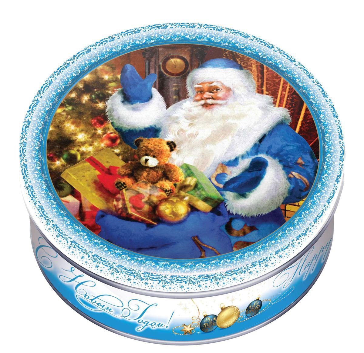 Сладкая Сказка Печенье в подарочной новогодней синей банке, 150 гMC-6-13Новогоднее печенье в синей банке — самое лучшее и готовое решение для вкусного подарка друзьям, близким и коллегам на рождественские праздники.Изображенный на крышке Дед Мороз создаст праздничное настроение, а сдобное печенье станет отличным угощением к чаю.Продукт производится на российской фабрике МАК-Иваново и в его рецептуре используются только натуральные ингредиенты, что делает его не только вкусным, но и полезным.Жестяную банку, после того, как лакомство закончилось, можно использовать в качестве украшения интерьера или для хранения мелочей и сыпучих продуктов.
