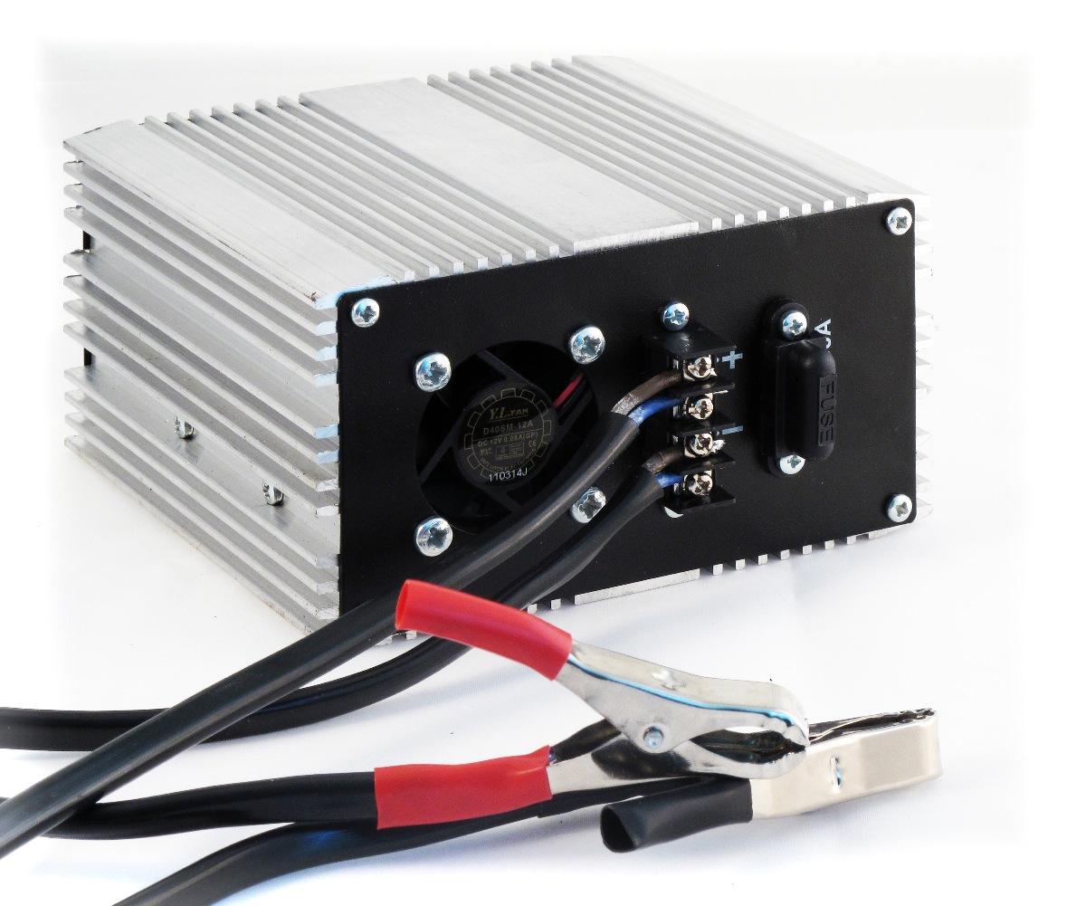 Преобразователь напряжения Орион ПН-70, USB, 12-220В, 900 Вт5023НАЗНАЧЕНИЕИмпульсный преобразователь напряжения служит для преобразования напряжения 12 В в эффективное напряжение 220В, модифицированный синус.ТЕХНИЧЕСКИЕ ХАРАКТЕРИСТИКИ-Максимальная мощность 900 Вт.-Подключается к клеммам АБ с помощью крокодилов-Возможно подключение ручного электроинструмента.-Предназначен как для временного подключения к аккумулятору, так и для постоянной установки в автомобиле.-Оборудованы защитой от короткого замыкания.-Позволяют питать как маломощную бытовую аппаратуру (телевизоры, магнитолы, ноутбуки и т. д.), так и мощную.-Имеют отдельный независимый выход питания USB для работы и зарядки аккумуляторов навигатора, телефона, смартфона.
