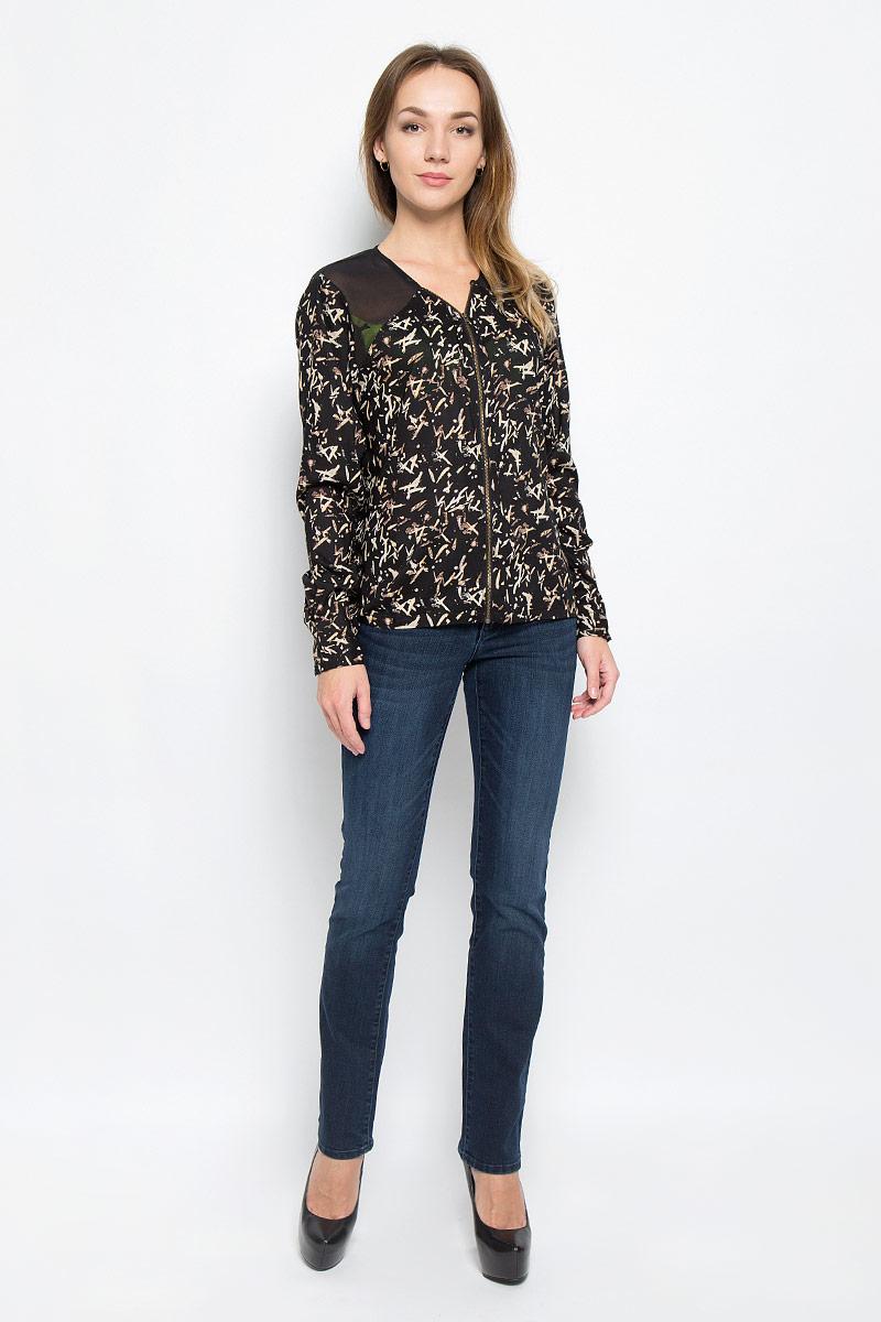 Блузка женская Wrangler, цвет: черный. W5189ME01. Размер M (46)W5189ME01Женская блуза Wrangler с длинными рукавами и V-образным вырезом горловины выполнена из вискозы. Блузка имеет свободный крой и застегивается на застежку-молнию спереди. Манжеты рукавов застегиваются на пуговицы. На спинке изделие дополнено вырезом.