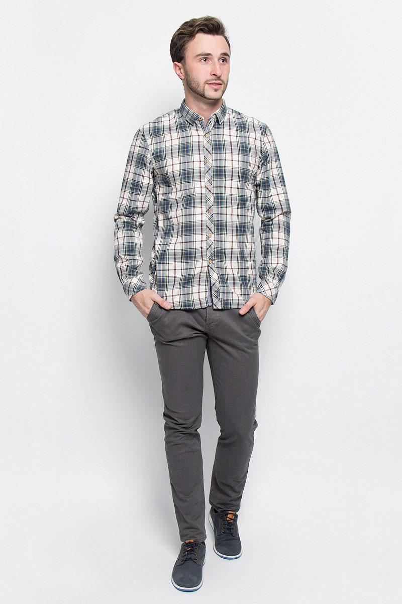 Рубашка мужская Tom Tailor Denim, цвет: зеленый, молочный, черный. 2032524.62.12_7648. Размер L (50)2032524.62.12_7648Мужская рубашка Tom Tailor Denim выполнена из натурального хлопка. Модель приталенного кроя с длинными рукавами и отложным воротником застегивается на пуговицы по всей длине. Рубашка оформлена оригинальным принтом. Манжеты рукавов оснащены застежками-пуговицами.