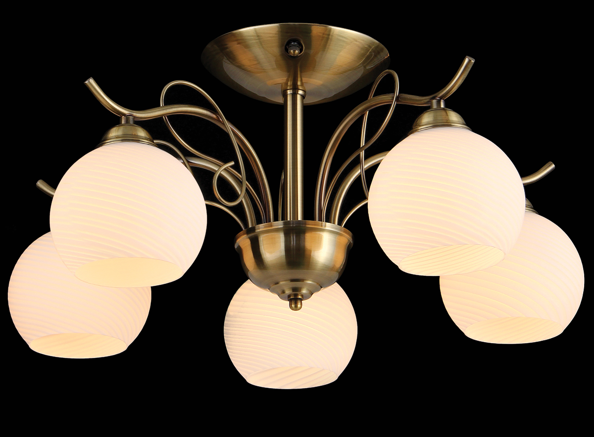 """Светильник """"Natali Kovaltseva"""", выполненный в классическом стиле, станет украшением вашей комнаты и изысканно дополнит интерьер. Светильник изготовлен из металла с хромированным покрытием, плафоны изготовлены из муранского стекла.  В коллекциях Natali Kovaltseva представлены разные стили - от классики до хайтека. Дизайн и технологическая составляющая продукции разрабатывается в R&D центре компании, который находится в г. Дюссельдорф, Германия. При производстве продукции используются высококачественные и эксклюзивные материалы: хрусталь ASFOR, муранское стекло, перламутр, 24-каратное золото, бронза. Производство светильников соответствует стандарту системы менеджмента качества ISO 9001-2000."""