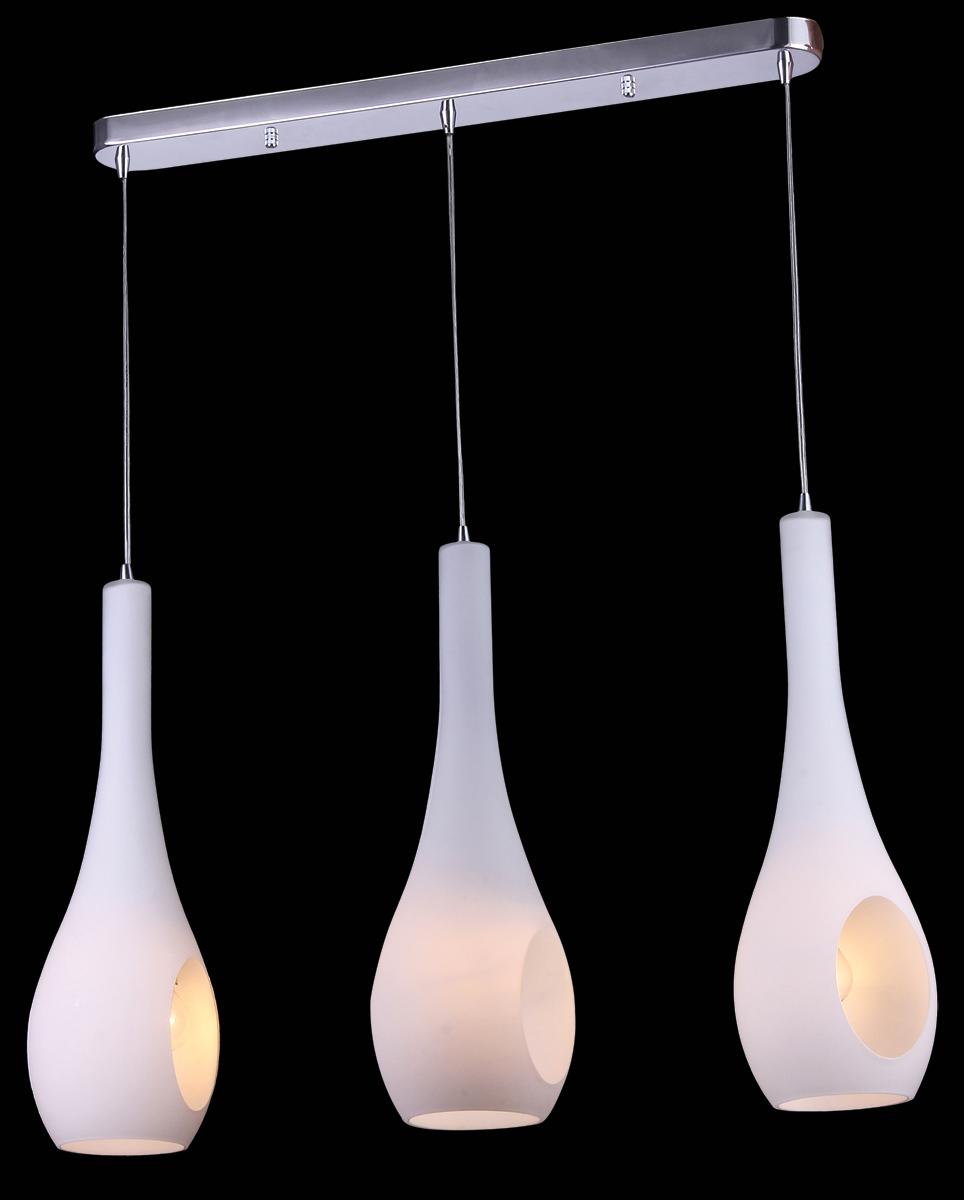 Светильник подвесной Natali Kovaltseva, 3 x E14, 60W. 10786/3P10786/3P CHROMEСветильник подвесной Natali Kovaltseva, выполненный в стиле хай-тек, станет украшением вашей комнаты и оригинально дополнит интерьер. Изделие крепится к потолку. Такой подвес универсален и отлично подойдет для освещения кабинета, столовой, кухни, спальни. Изделие снабжено основанием из металла с хромированным покрытием и 3 стеклянными плафонами на тросах. В коллекциях Natali Kovaltseva представлены разные стили - от классики до хайтека. Дизайн и технологическая составляющая продукции разрабатывается в R&D центре компании, который находится в г. Дюссельдорф, Германия. При производстве продукции используются высококачественные и эксклюзивные материалы: хрусталь ASFOR, муранское стекло, перламутр, 24-каратное золото, бронза. Производство светильников соответствует стандарту системы менеджмента качества ISO 9001-2000. На всю продукцию ТМ Natali Kovaltseva распространяется гарантия.