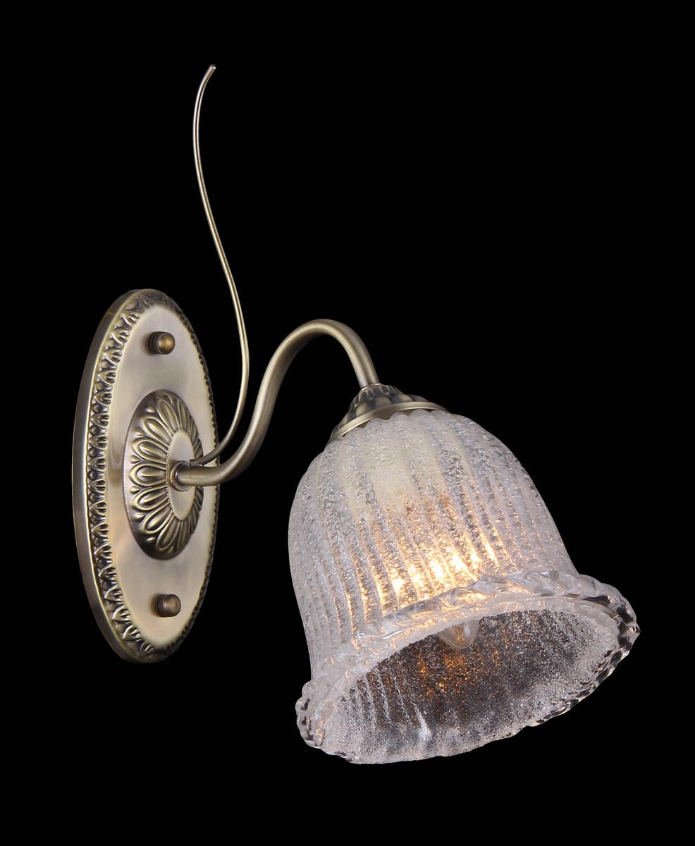 Бра Natali Kovaltseva, 1 х E27, 60W. 11434/1W11434/1W ANTIQUEБра Natali Kovaltseva, выполненное в классическом стиле, станет украшением вашей комнаты и изысканно дополнит интерьер. Изделие крепится к стене. Такое бра отлично подойдет для освещения кабинета, спальни или гостиной. Бра выполнено из металла с хромированным покрытием, плафон изготовлен из матового стекла. В коллекциях Natali Kovaltseva представлены разные стили - от классики до хайтека. Дизайн и технологическая составляющая продукции разрабатывается в R&D центре компании, который находится в г. Дюссельдорф, Германия. При производстве продукции используются высококачественные и эксклюзивные материалы: хрусталь ASFOR, муранское стекло, перламутр, 24-каратное золото, бронза. Производство светильников соответствует стандарту системы менеджмента качества ISO 9001-2000. На всю продукцию ТМ Natali Kovaltseva распространяется гарантия.