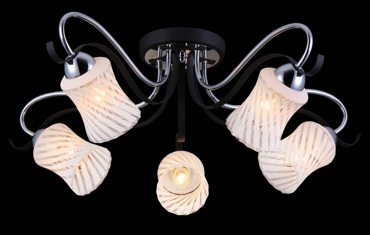 Люстра Natali Kovaltseva, 5 x E14, 60W. 11441/5C11441/5C CHROMEЛюстра Natali Kovaltseva, выполненная в классическом стиле, станет украшением вашей комнаты и изысканно дополнит интерьер. Люстра выполнена из металла с хромированным покрытием, плафоны изготовлены из муранского стекла. В коллекциях Natali Kovaltseva представлены разные стили - от классики до хайтека. Дизайн и технологическая составляющая продукции разрабатывается в R&D центре компании, который находится в г. Дюссельдорф, Германия. При производстве продукции используются высококачественные и эксклюзивные материалы: хрусталь ASFOR, муранское стекло, перламутр, 24-каратное золото, бронза. Производство светильников соответствует стандарту системы менеджмента качества ISO 9001-2000. На всю продукцию ТМ Natali Kovaltseva распространяется гарантия.