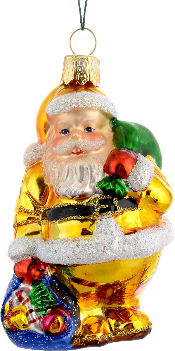 Украшение новогоднее подвесное Winter Wings Дед Мороз, цвет: белый, золотой, длина 8 смN07203Новогоднее подвесное украшение Winter Wings Дед Мороз выполнено из стекла и украшено блестками. С помощью специальной петельки украшение можно повесить в любом понравившемся вам месте. Но, конечно, удачнее всего оно будет смотреться на праздничной елке.Елочная игрушка - символ Нового года. Она несет в себе волшебство и красоту праздника. Создайте в своем доме атмосферу веселья и радости, украшая новогоднюю елку нарядными игрушками, которые будут из года в год накапливать теплоту воспоминаний.Материал: стекло.Длина: 8 см.