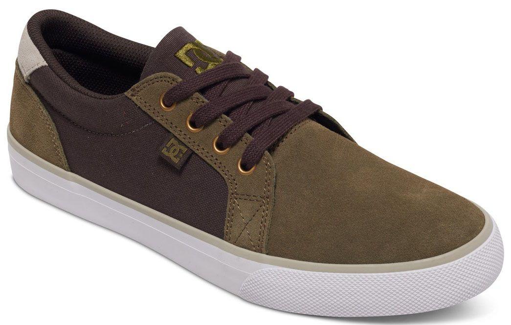 Кеды мужские DC Shoes Council SD, цвет: коричневый. ADYS300108-OCH. Размер 8,5D (40)ADYS300108-OCHНизкие мужские кеды Council SD от DC Shoes выполнены из прочной замши. Модель имеет простой минималистичный нос, отверстия для шнуровки с металлической окантовкой, вулканизированную конструкцию для более чуткого контроля доски, износостойкую каучуковую подошву, фирменный рисунок протектора подошвы DC Pill Pattern. Кеды фиксируются на ноге при помощи классической шнуровки.
