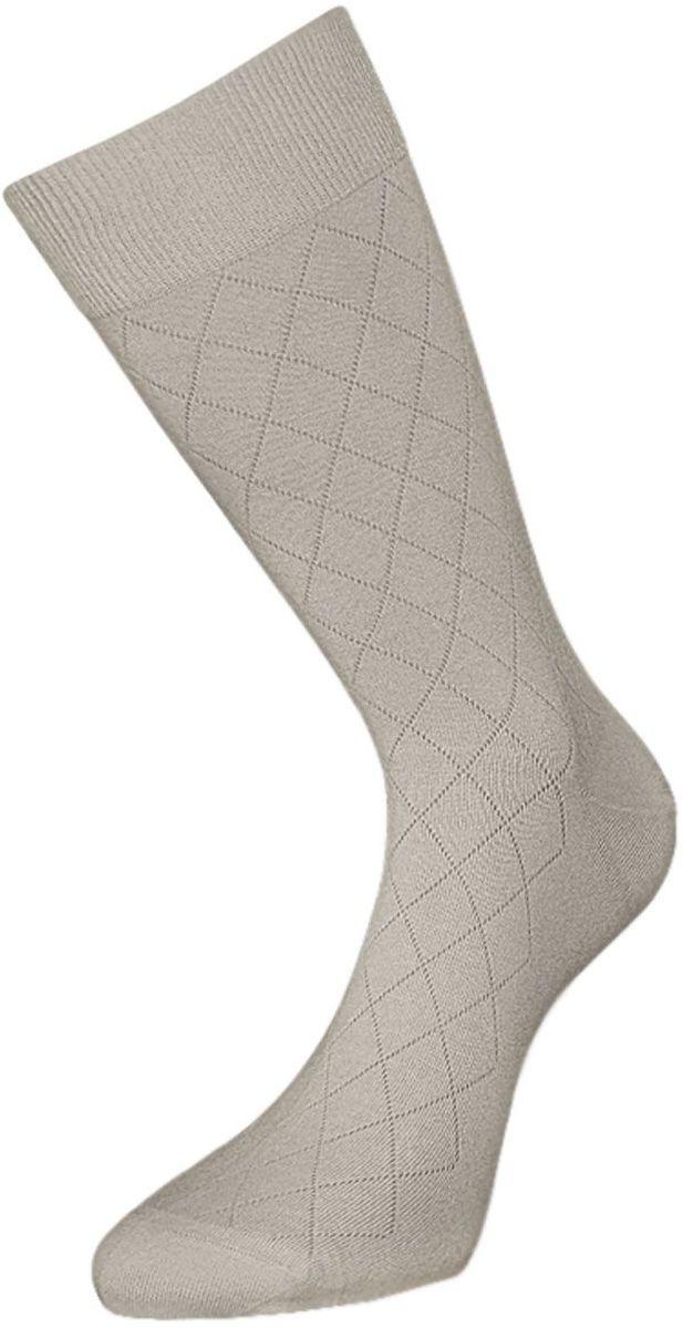 Носки мужские Гранд, цвет: светло-серый, 2 пары. ZC92. Размер 25ZC92Мужские носки Гранд изготовлены из высококачественного хлопка с добавлением полиамидных и эластановых волокон, они обладают антибактериальными и теплоизолирующими свойствами, хорошо впитывают влагу, не садятся и не деформируются. Изделие имеет кеттельный (плоский шов) и дополнено рисунком в мелкие ромбы по всему носку. Мягкая анатомическая резинка идеально облегает ногу. Мысок и пятка усилены. В комплект входят две пары носков.