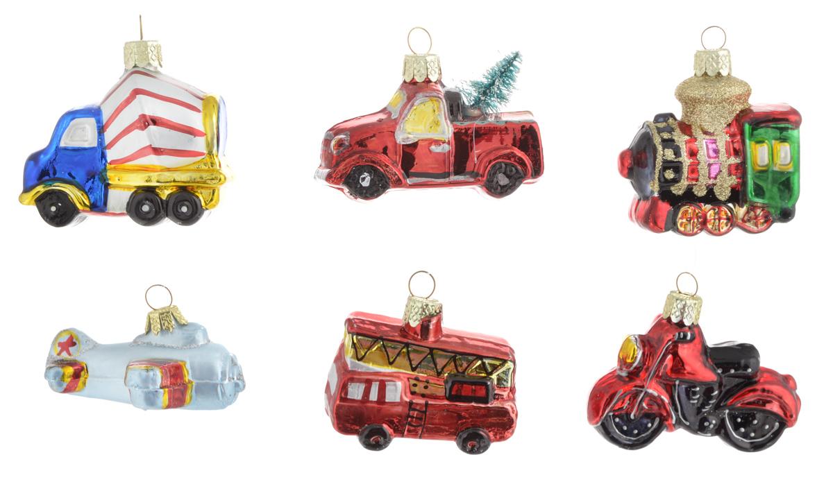 Украшение новогоднее подвесное Winter Wings Транспорт, 6 штN07847Набор украшений Winter Wings Транспорт прекрасно подойдет для праздничного декора новогодней ели. Изделия выполнены из высококачественного стекла. Набор состоит из шести разных фигурок с новогодней тематикой. Для удобного размещения на елке на украшениях предусмотрены ушки и веревочки.Елочная игрушка - символ Нового года. Она несет в себе волшебство и красоту праздника. Создайте в своем доме атмосферу веселья и радости, украшая новогоднюю елку нарядными игрушками, которые будут из года в год накапливать теплоту воспоминаний. Откройте для себя удивительный мир сказок и грез. Почувствуйте волшебные минуты ожидания праздника, создайте новогоднее настроение вашим дорогим и близким.