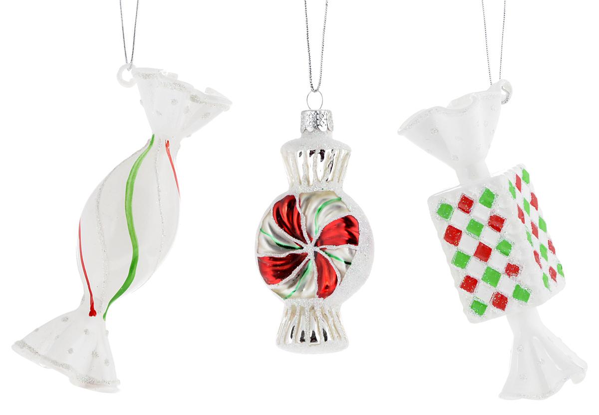 Украшение новогоднее подвесное Winter Wings Конфетки, 3 штN07838Набор украшений Winter Wings Конфетки прекрасно подойдет для праздничного декора новогодней ели. Изделия выполнены из высококачественного стекла. Набор состоит из трех разных фигурок в виде конфет. Для удобного размещения на елке на украшениях предусмотрены веревочки.Елочная игрушка - символ Нового года. Она несет в себе волшебство и красоту праздника. Создайте в своем доме атмосферу веселья и радости, украшая новогоднюю елку нарядными игрушками, которые будут из года в год накапливать теплоту воспоминаний. Откройте для себя удивительный мир сказок и грез. Почувствуйте волшебные минуты ожидания праздника, создайте новогоднее настроение вашим дорогим и близким.