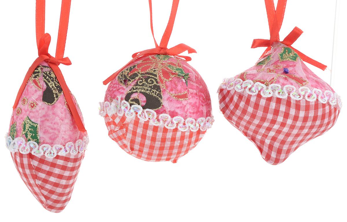 Набор новогодних подвесных украшений Winter Wings Клетка, цвет: зеленый, красный, розовый, 3 штN069966/1Набор украшений Winter Wings Клетка прекрасно подойдет для праздничного декора новогодней ели. Изделия выполнены из высококачественного пластика и обтянуты тканью. Набор состоит из трех разных фигурок с новогодней тематикой. Для удобного размещения на елке на украшениях предусмотрены петли.Елочная игрушка - символ Нового года. Она несет в себе волшебство и красоту праздника. Создайте в своем доме атмосферу веселья и радости, украшая новогоднюю елку нарядными игрушками, которые будут из года в год накапливать теплоту воспоминаний. Откройте для себя удивительный мир сказок и грез. Почувствуйте волшебные минуты ожидания праздника, создайте новогоднее настроение вашим дорогим и близким.Количество украшений: 3 шт.