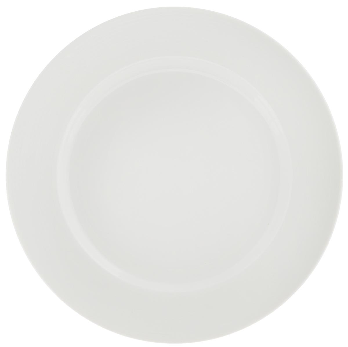 Тарелка десертная Tescoma Opus Stripes, диаметр 20 см385120Десертная тарелка Tescoma Opus Stripes изготовлена из фарфора. Изделие оформлено рельефным рисунком и имеет изысканный внешний вид. Такая тарелка прекрасно подходит как для торжественных случаев, так и для повседневного использования. Идеальна для подачи десертов, пирожных, тортов и многого другого. Она прекрасно оформит стол и станет отличным дополнением к вашей коллекции кухонной посуды. Пригодна для использования в микроволновой печи. Можно мыть в посудомоечной машине.Диаметр тарелки (по верхнему краю): 20 см. Высота тарелки: 2,2 см