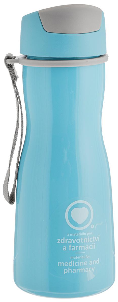 Бутылка для воды Tescoma Purity, цвет: голубой, серый, 500 мл891980.30Стильная бутылка для воды Tescoma Purity, изготовленная из высококачественного пластика, оснащена съемным текстильным ремешком и крышкой с силиконовым уплотнителем, которая плотно и герметично закрывается, сохраняя свежесть и изначальную температуру напитка. Изделие прекрасно подойдет для использования в жаркую погоду: вода долго сохраняет первоначальные свойства и вкусовые качества. При необходимости в бутылку можно наливать витаминизированные напитки, фруктовые соки, чай или протеиновые коктейли.Такую бутылку можно без опаски положить в рюкзак, закрепить на поясе или велосипедной раме. Она пригодится как на тренировках, так и в походах или просто на прогулке.Бутылку разрешено кипятить и мыть в посудомоечной машине.Изделие можно использовать в холодильнике и микроволновой печи. Ремешок и крышку не рекомендуется мыть в посудомоечной машине.Диаметр горлышка бутылки: 5 см.Высота бутылки (без учета крышки): 18,7 см.Длина ремешка: 11 см.