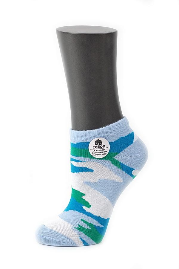 Носки женские Alla Buone, цвет: голубой. CD028. Размер 25 (38-40)028CDУдобные носки Alla Buone, изготовленные из высококачественного комбинированного материала, очень мягкие и приятные на ощупь, позволяют коже дышать. Эластичная резинка плотно облегает ногу, не сдавливая ее, обеспечивая комфорт и удобство. Модель с укороченным паголенком, оформлена рисунком в стиле милитари. Практичные и комфортные носки великолепно подойдут к любой вашей обуви.